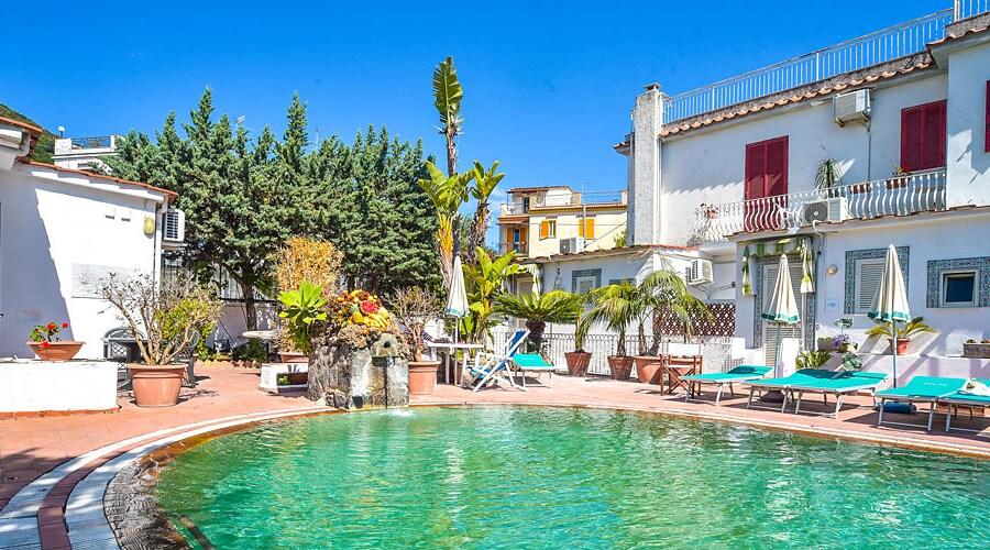 Charme Hotel Villa Tina 1
