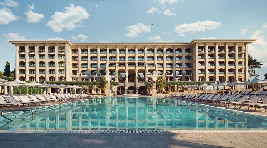 Astor Garden Hotel 1