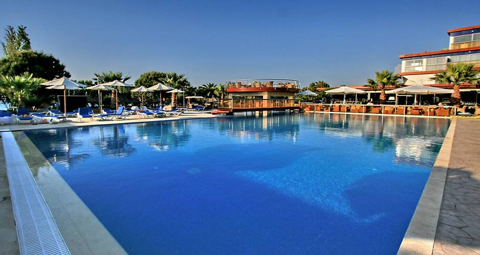 All Senses Ocean Blue Seaside Resort 5