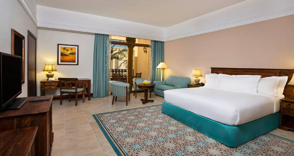 Hilton Al Hamra Beach & Golf Resort 24 - <p>Guest Room -huone</p>